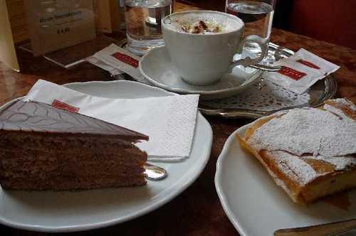 カフェオーバーラー ケーキ